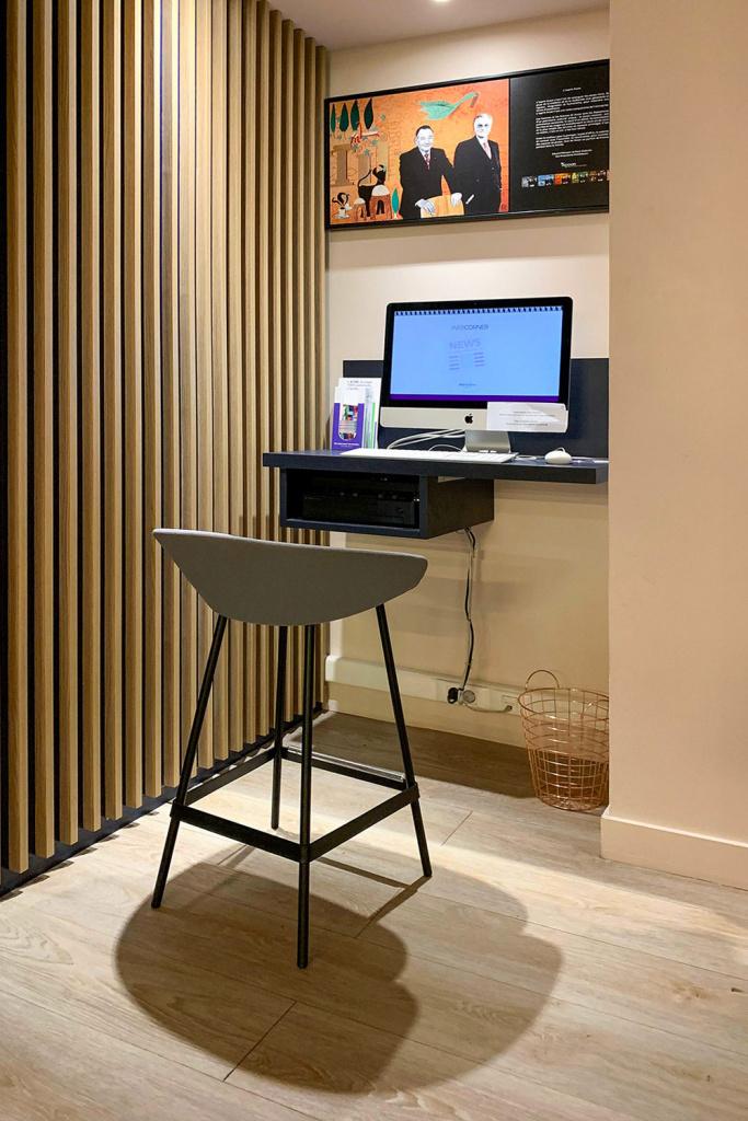 coworking-in-hotel-area-wi-fi
